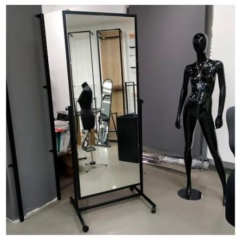 Торговые зеркала для магазинов одежды и обуви: мнение экспертов